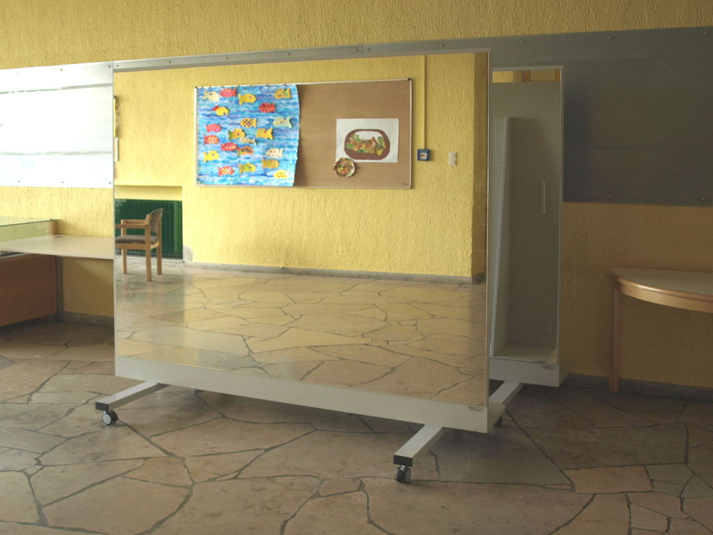 fahrbare spiegelwand online kaufen. Black Bedroom Furniture Sets. Home Design Ideas